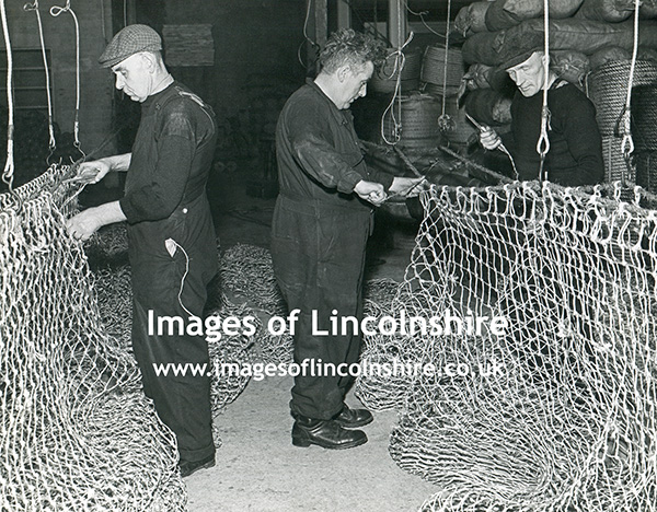 Cosalt_Men_Making_Fishing_Nets_c1950