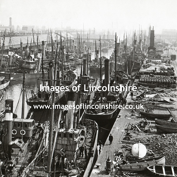 Grimsby_Docks_Stereoscopic_Slide_c1912