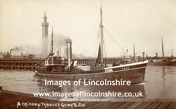 Grimsby_Trawler_Crux_Going_to_Sea_c1907