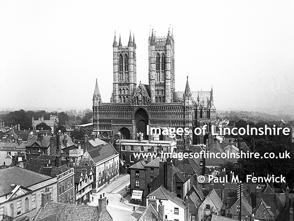 Lincoln_Cathedral_in_Edwardian_Times