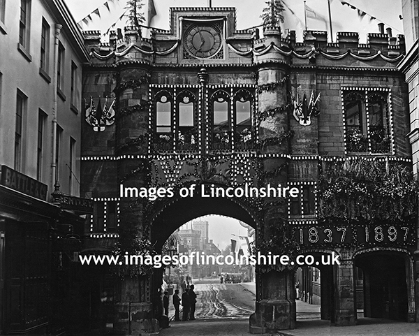 Stonebow_Lincoln_1897