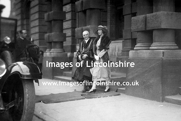 Princess_Mary_Visits_Grimsby_1925
