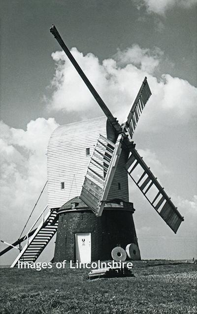 Wrawby_Post_Mill_c1960s