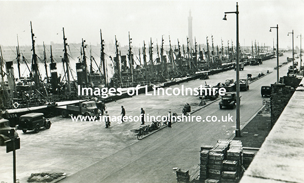 Grimsby_Docks_North_Wall_JF_Lawrence