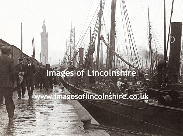 Grimsby_Docks_Very_Old_Photo_2