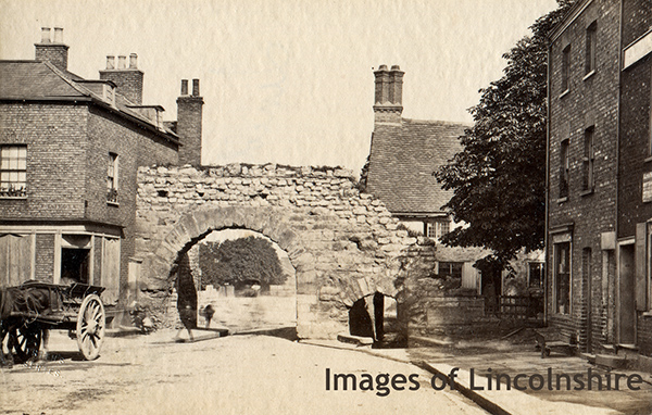 c1870s_Albumen_Photo_of_Lincoln_Roman_Gate