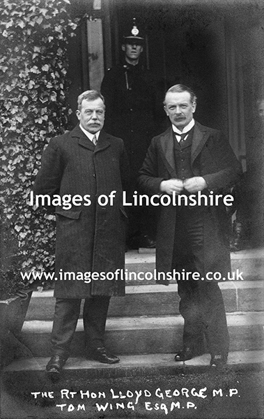 Lloyd_George_and_Grimsby_MP_Tom_Wing_1910