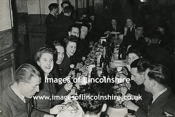 RAF_Ludford_Magna_Christmas_Meal_1944