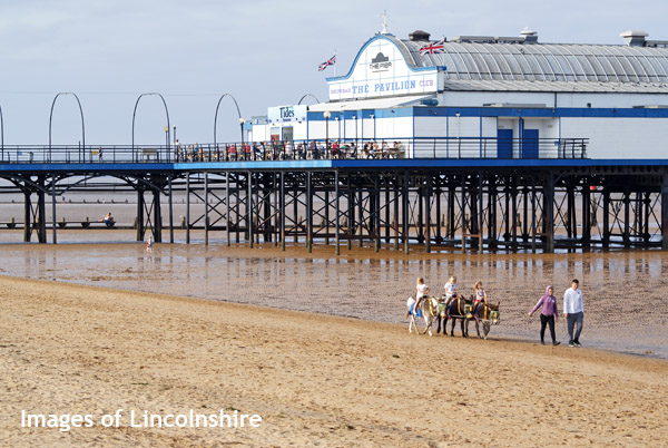 Cleethorpes_Pier_September_2014